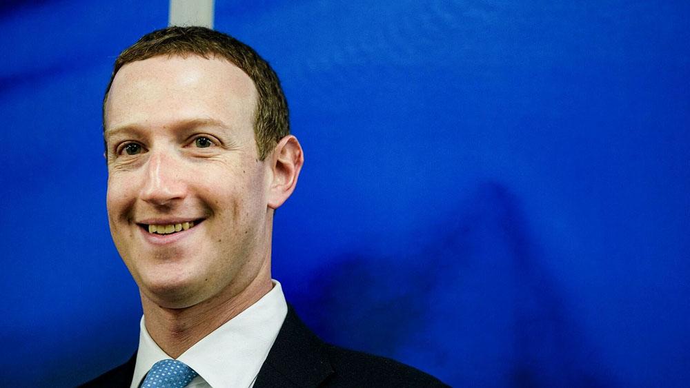 Facebook sigue a Google en sus PR de poner plata, pero le critican falta de transparencia